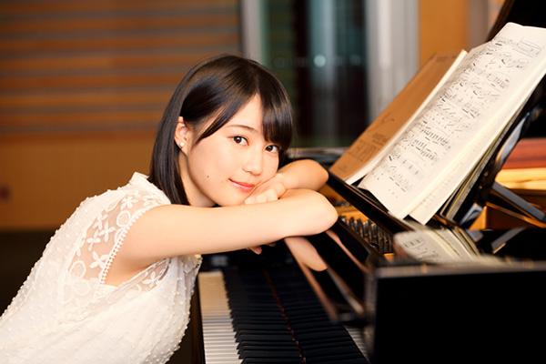 ピアノと生田絵梨花