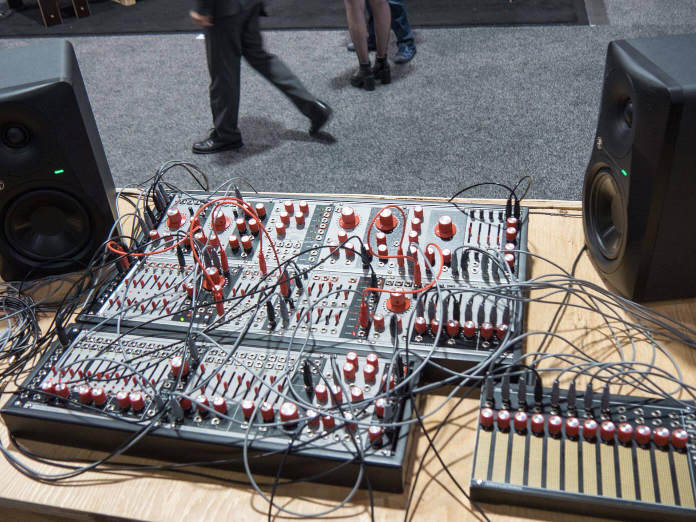 Control Voltage ProcessorとMINI HORSE