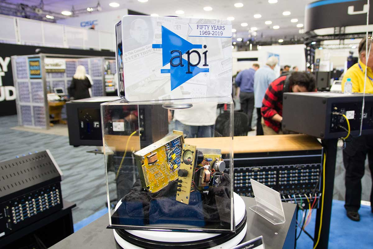 API 550A Anniversary  Edition  Equalizer NAMMショー 2019