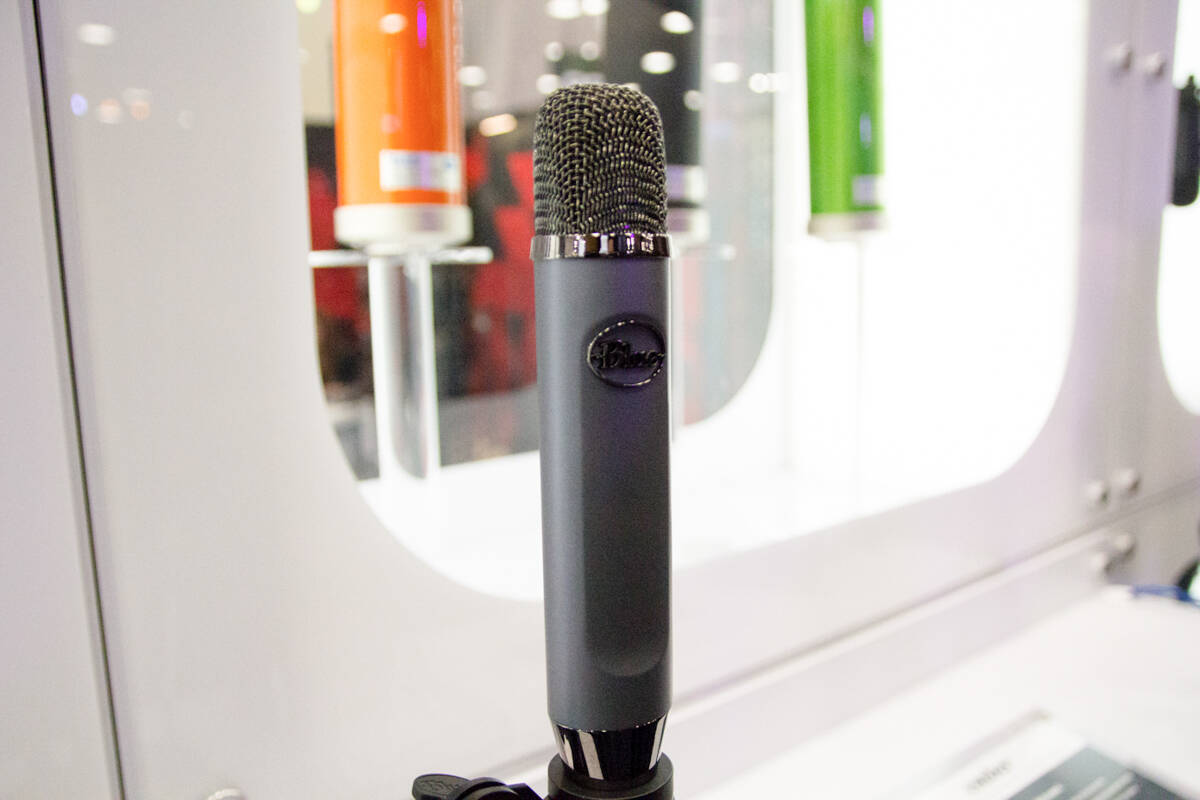 Blue Microphone_ember