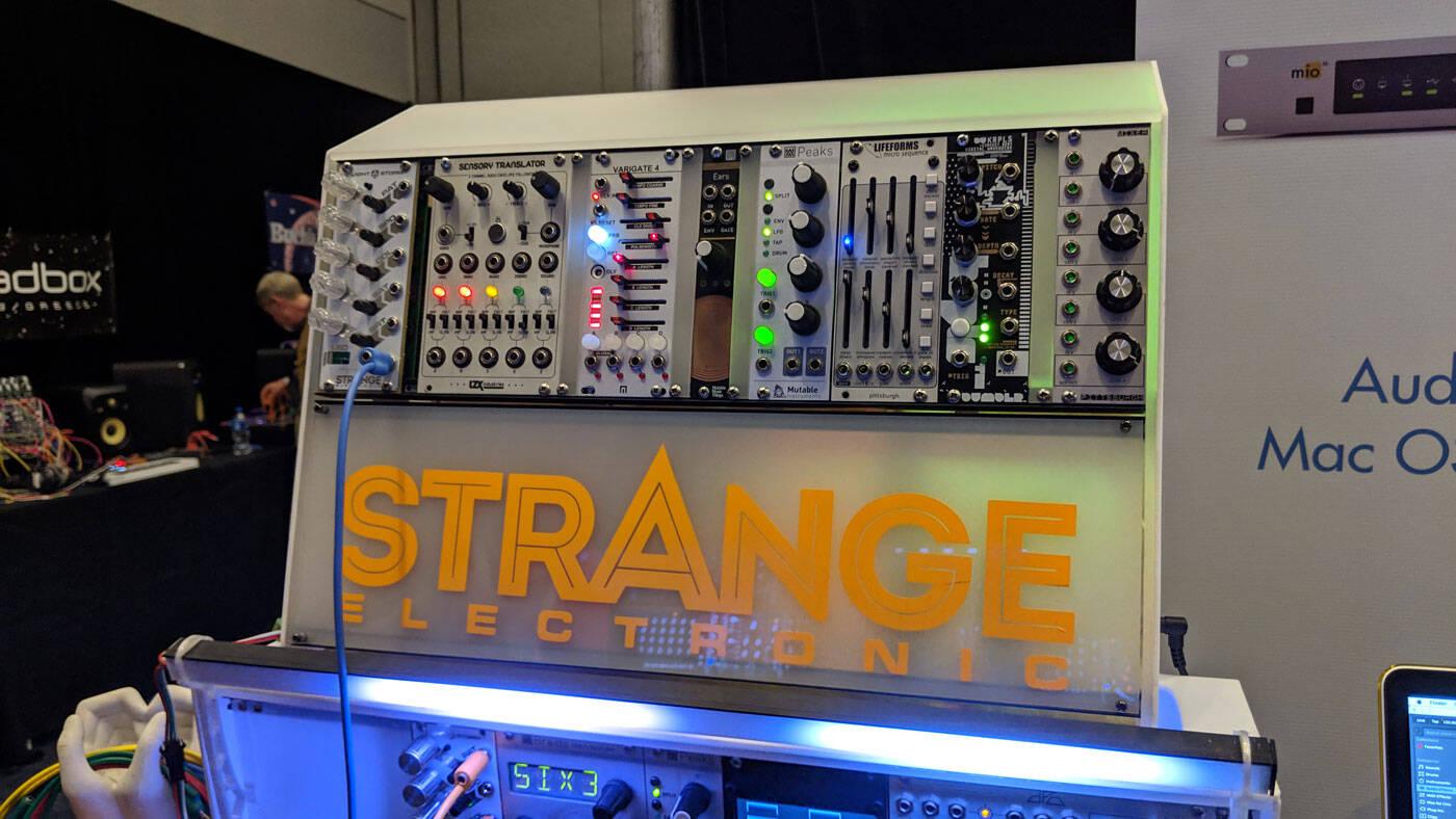 01_Strange-Electronic