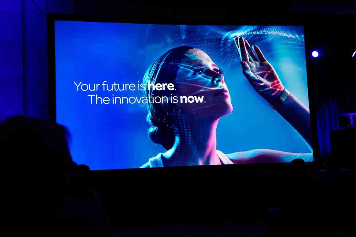 あなたの未来はここにある、革新するのは今