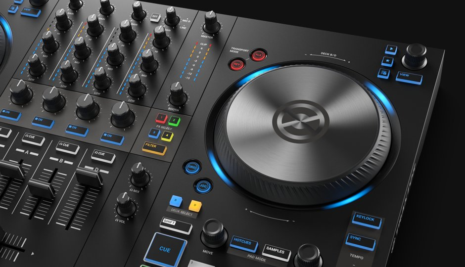 img-ce-gallery-traktor-kontorl-s3-overview-page-04-gallery-01-lightring.png-26ae67e8a86c1acc37cf7f6cfe77d45b-d