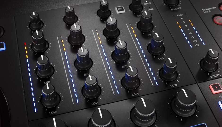 img-ce-gallery-traktor-kontorl-s3-overview-page-04-gallery-03-mixer-2-51c4ef7f49bc13ad0998524e040accab-d