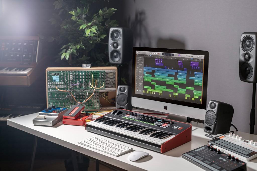 ikc-L-UNO Synth PRO_DSC07025_r