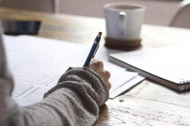 採用筆記試験とは?実施目的や活用方法、メリット・デメリットについて