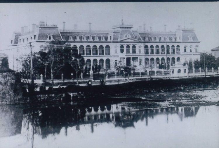 明治政府の「迎賓館」の役割を担った帝国ホテル(渋沢史料館所蔵)