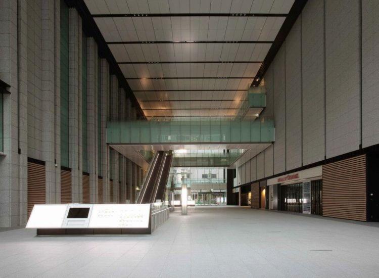 オフィス街に位置する利便性とラグジュアリー空間が魅力