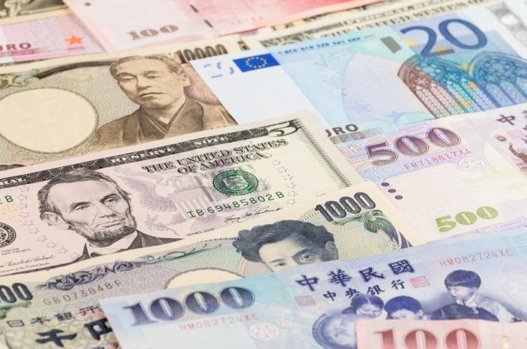現金決済にかかるコストは年間約8兆円!