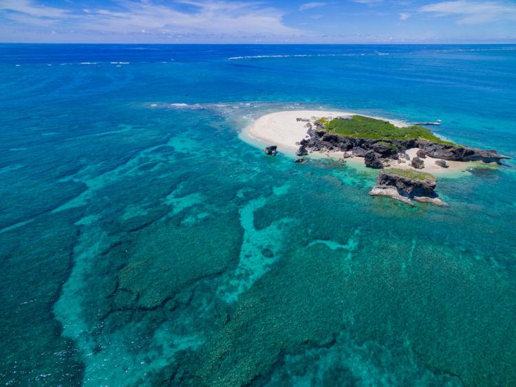 まずは無人島に遊びに行こう!