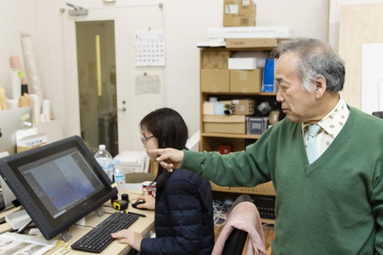 クローン文化財を手掛ける東京藝術大学COI拠点にて。宮廻名誉教授の指導のもと、若手研究者が多く活躍する