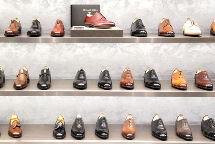 一流ブランドの紳士靴は、思わず革の質感に見とれてしまう