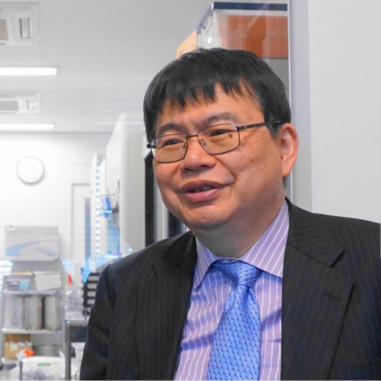岡野 栄之 教授