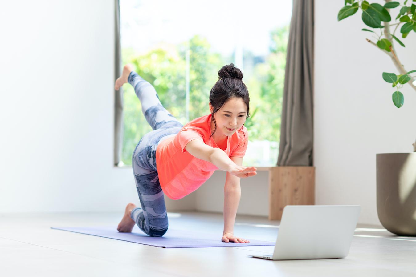 ステイホームでも健康になれる!いま、注目のオンラインフィットネスとは?