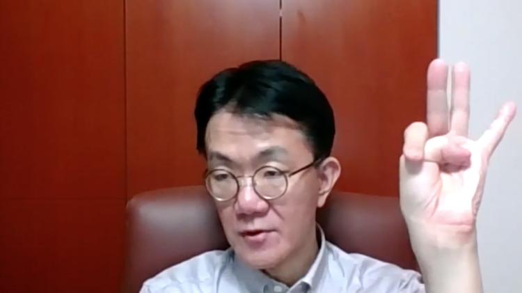 国語辞典編纂者の飯間浩明さんにZOOMでお話をうかがいました。