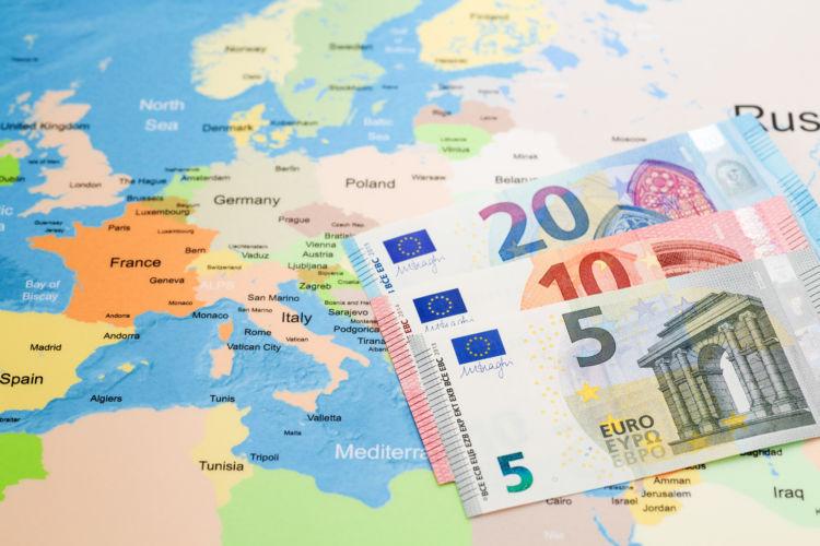 海外のお金で預金する外貨預金