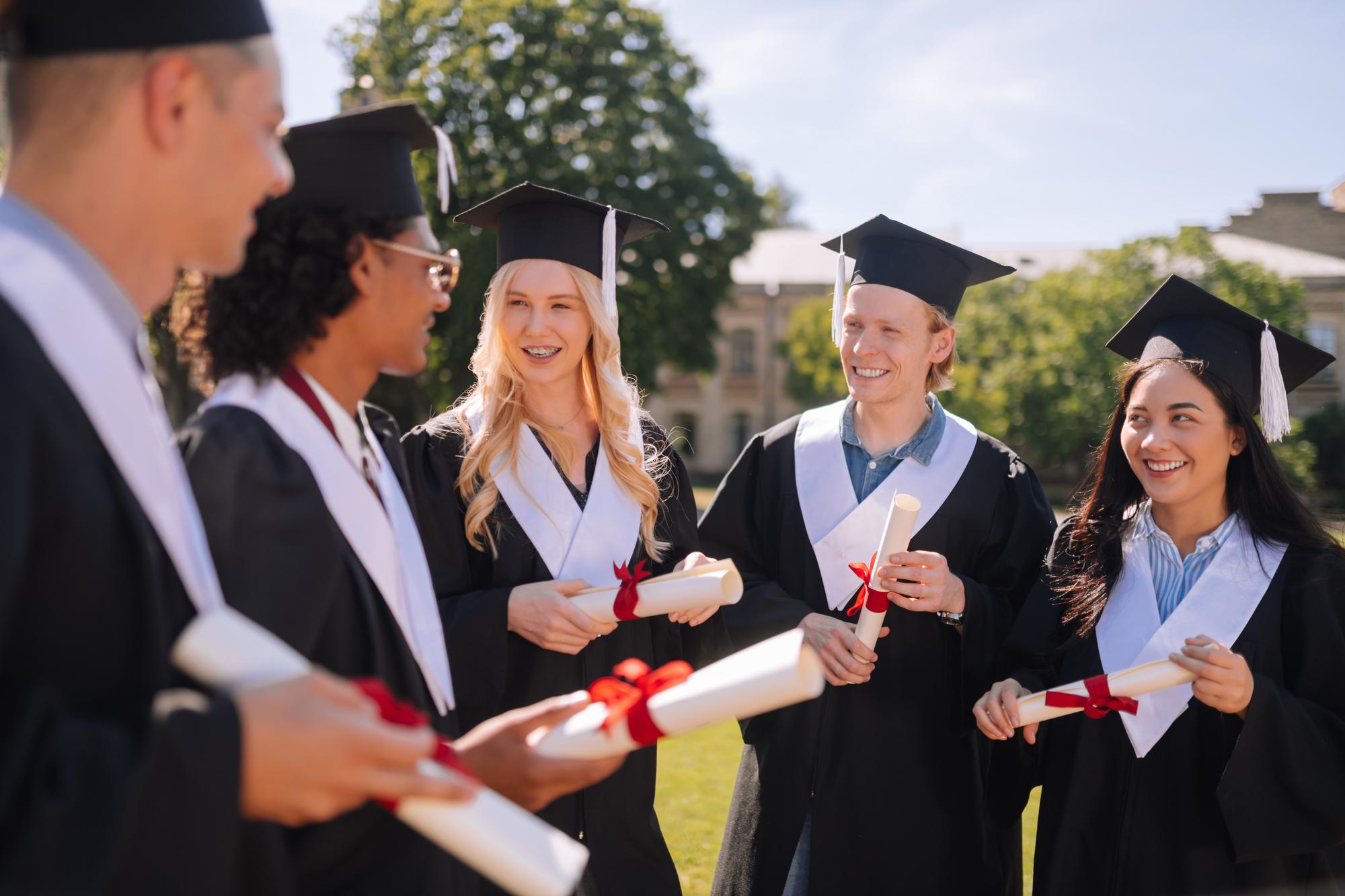 高収入な卒業生限定の「学位税」