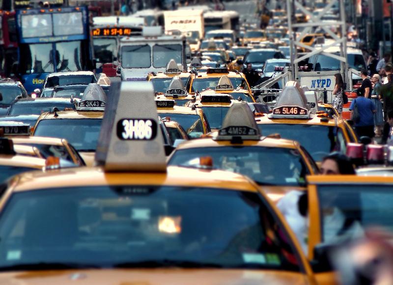 人類は渋滞にどれだけの時間を奪われている?その実態と解決法