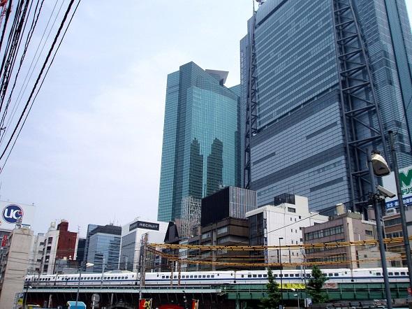 再開発 新橋駅周辺のビル