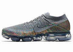 AIR VAPORMAX DARK GREY/HYPER PUNCHの写真