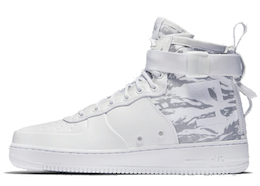 Nike SF Air Force 1 Mid Winter Camoの写真