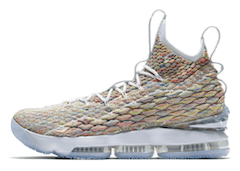 LEBRON 15 FRUITY PEBBLESの写真