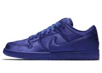 Nike SB Dunk Low NBA Deep Royal Blueの写真