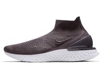 Nike Rise React Flyknit Thunder Greyの写真