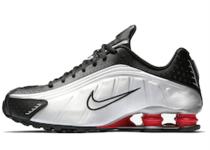 Nike Shox R4 Black Metallic Silver OGの写真