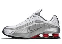 Nike Shox R4 Metallic Silver Comet Red の写真