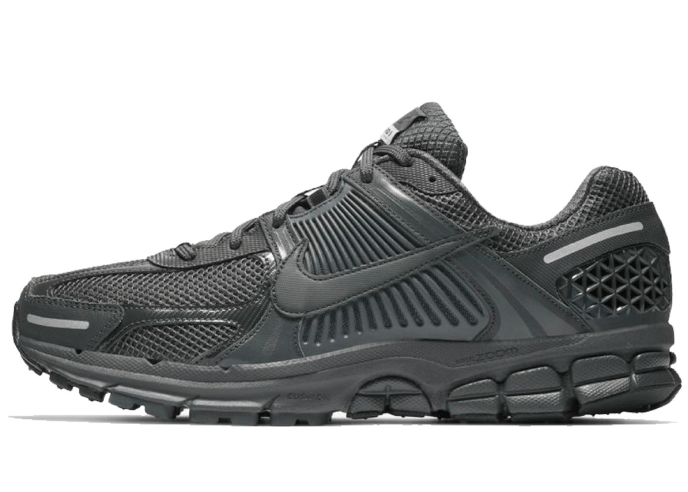 Nike Zoom Vomero 5 Anthracite Black Wolf Grayの写真