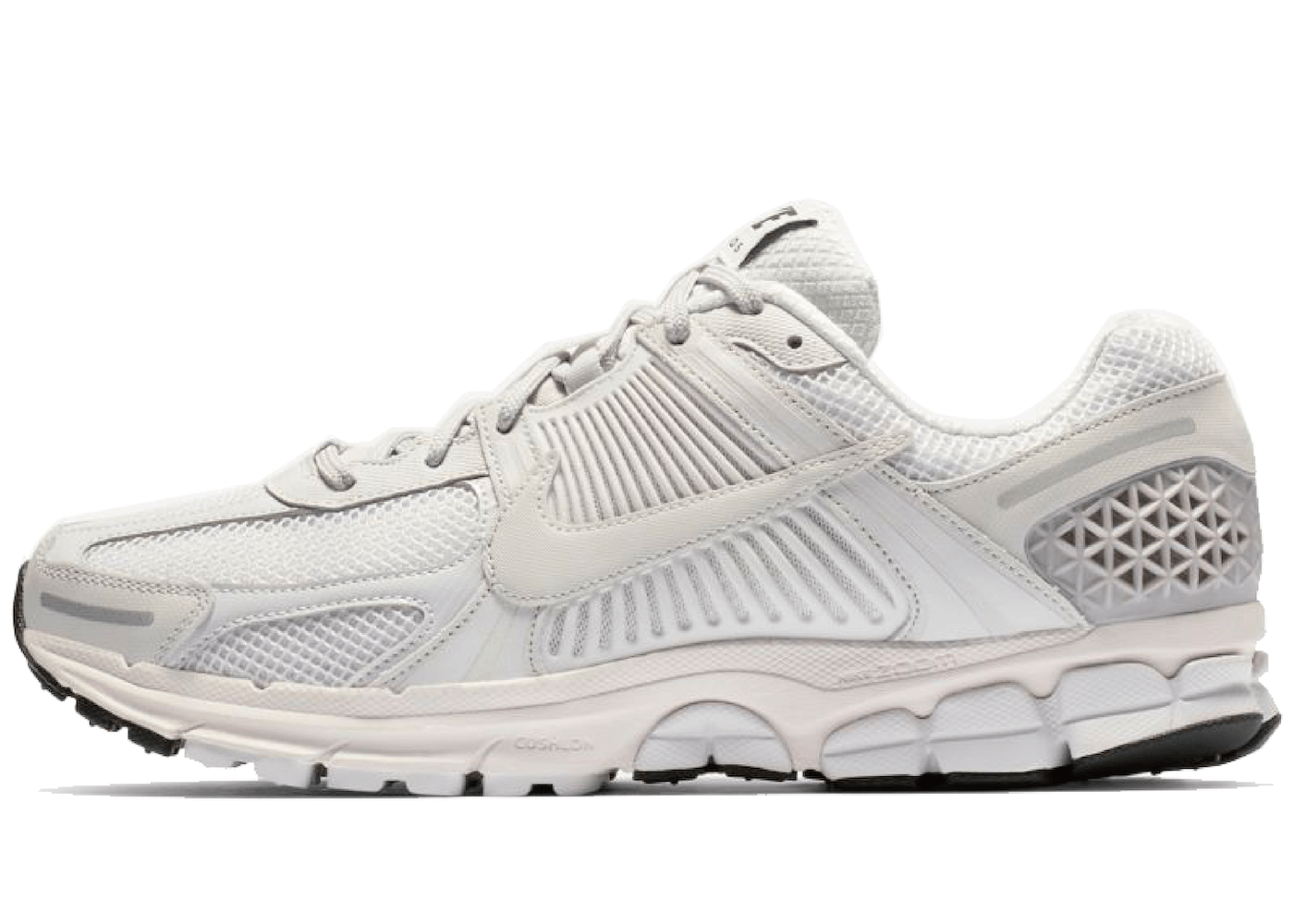 Nike Zoom Vomero 5 Triple Whiteの写真