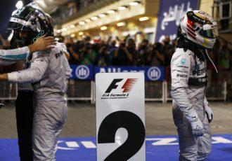 """スペインGPで同士討ち!3年前から始まっていたロズベルグとハミルトンの""""衝突""""とは?"""