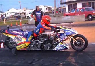 4秒で時速300㎞!アナタはバイクのドラッグレースの世界を知ってますか?