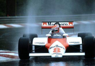F1から見える空力の進化の歴史とは?F1のグランドエフェクトカー禁止から2016年まで振り返りながらご紹介します。