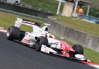 F1参戦決定は伊達じゃない!波乱のSF岡山を制したのは、ストフェル・バンドーン!決勝は、スタートから予測不能で大荒れの展開!