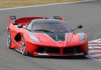 サーキットを走るためだけに作られたスーパーカー「フェラーリ FXX K」の恐るべきポテンシャルとは?
