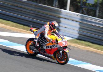 残り3戦残して、シリーズチャンピオン決定!MotoGP™日本GPで優勝したのは、肘擦りライダー!マルク・マルケス!