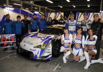 「タイヤ無交換作戦を決めたのはグリッド上だった…」VivaC Team TSUCHIYAのスーパーGT、GT300王座獲得の裏側に迫る。