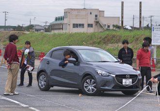 純粋な運転技術で勝負する競技「フィギュア」とは?それは、学生が熱中するモータースポーツ!