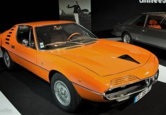 ベルトーネデザインの異端児!!名車アルファロメオ・モントリオールとは?