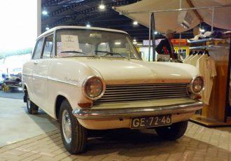 初代サニーやカローラにも影響を与えた!?戦後オペル初の小型大衆車、カデットAがヒットした意外な理由とは?