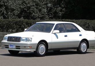実は中身はマークⅡ !? 10代目トヨタ・クラウンが次の世代に繋いだ伝統と革新とは?