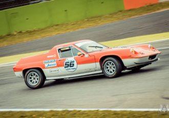 スーパーカーブームで有名になった大衆向けMRスポーツ!ロータスヨーロッパとは