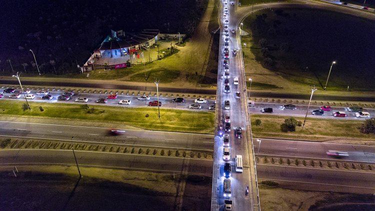 高速道路 渋滞 traffic jam