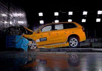 安全なクルマって何?現代の自動車に求められる装備とは?