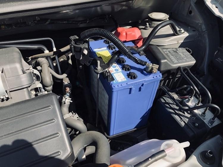 自動車バッテリー