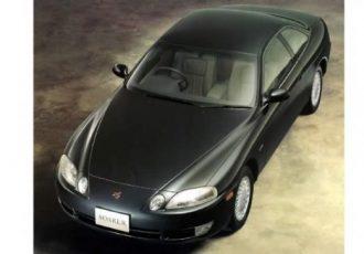 高級車の証!?独立4灯式ヘッドライトの国産車3選!