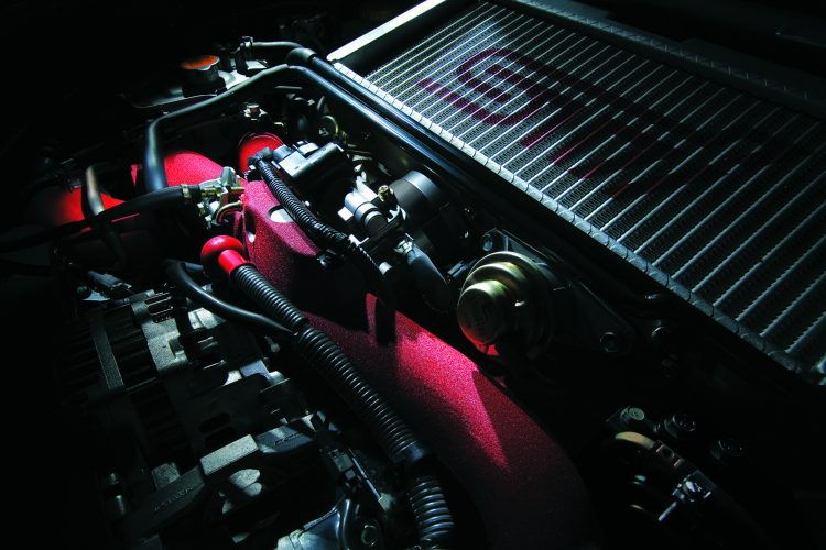 WRX STI エンジンイメージ