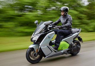 電動バイクは車検不要!?普通自動二輪免許で乗れるって本当?